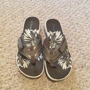 Clark's Collection Thong Flip Flops Sandals
